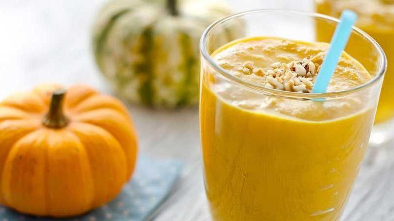 Cuida tu figura con este sabroso y nutritivo smoothie keto de calabaza