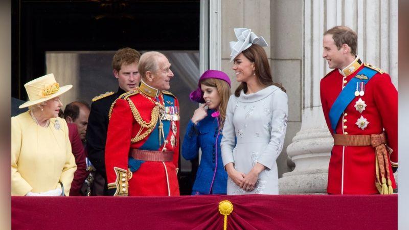 Funeral Príncipe Felipe: Reina Isabel II cuida al Príncipe Harry con esto; Príncipe William furioso