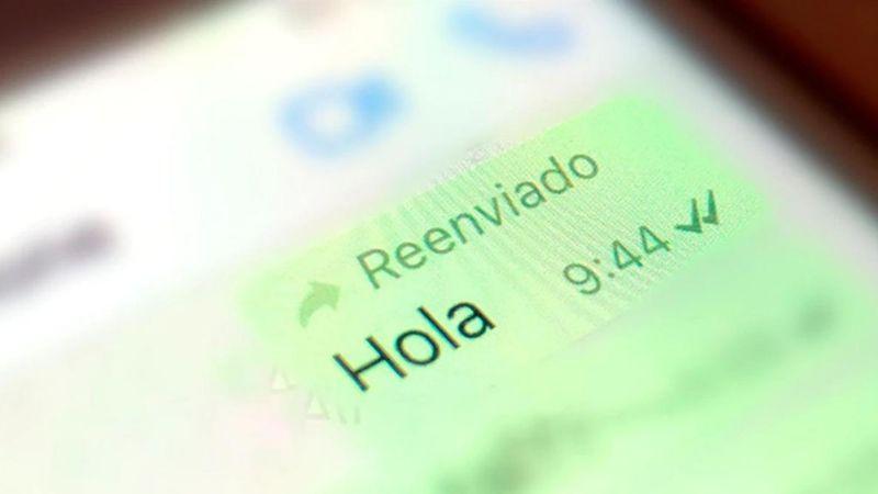 ¿Te molesta el 'Reenviado' de WhatsApp? Este truco ayuda a evitarlo y que no te cachen