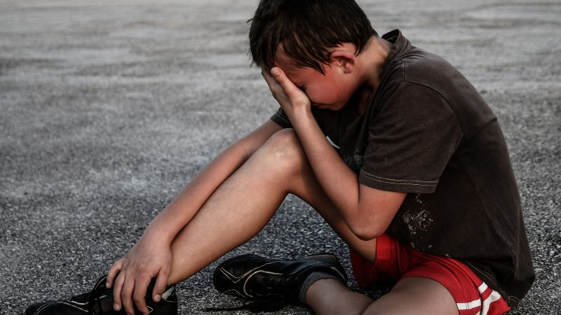 ¡Tragedia! Un niño es brutalmente baleado en una carretera; iba de viaje con su familia