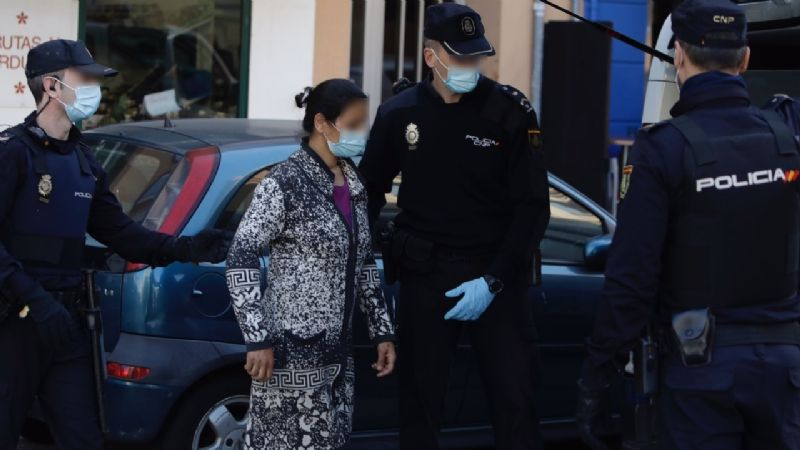 Rescatan a niña de 12 años que fue vendida por sus padres para pagar deuda de 3.5 mil euros