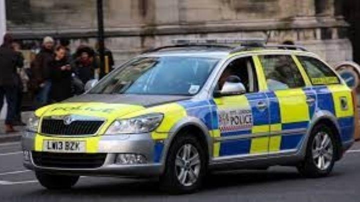 Arrestan a joven de 21 años por chocar contra un agente de la Policía e intentar huir