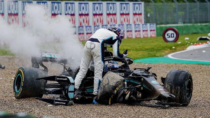 Valtteri Bottas se enoja luego de un choque en el GP de Emilia-Roma