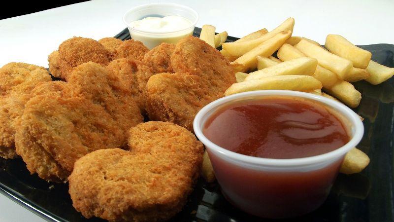 ¿Antojo de nuggets de pollo? Esta receta recomendada por la Profeco es saludable y crujiente