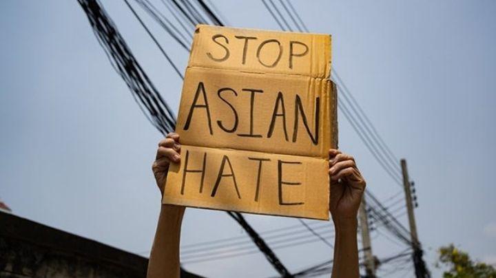 Atacan a periodista mientras cubría manifestaciones en EU; asegura fue por su origen asiático