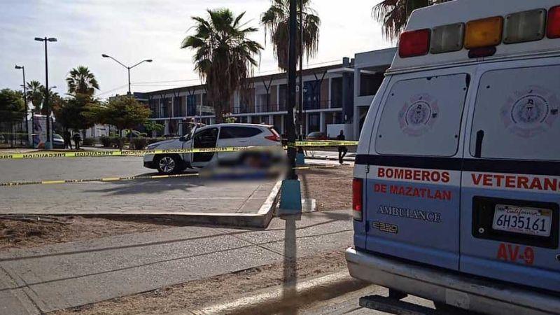 A bordo de su auto y por fuera de un polideportivo, así quedó el cuerpo de Daniel en Mazatlán