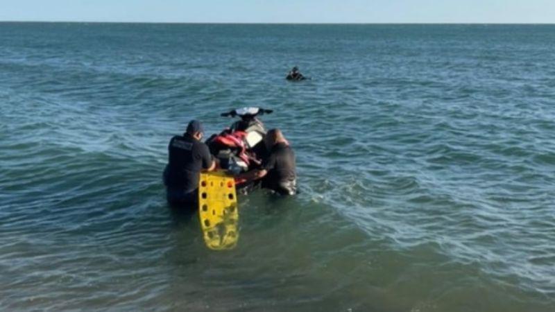 Rescatan a dos personas en las aguas de Bahía de Kino; hay un joven de 17 años desaparecido