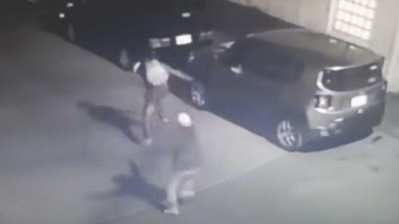 FUERTE VIDEO: ¡A sangre fría! Sicario embosca y acribilla a 'El Diablo'; lo mata en segundos
