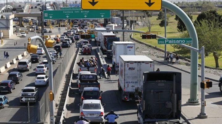 """Mantendrán cerrada la frontera entre México y Estados Unidos para """"viajes no esenciales"""""""
