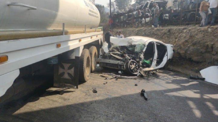 Fatal accidente: Muere una persona tras volcadura de pipa en la México-Cuernavaca