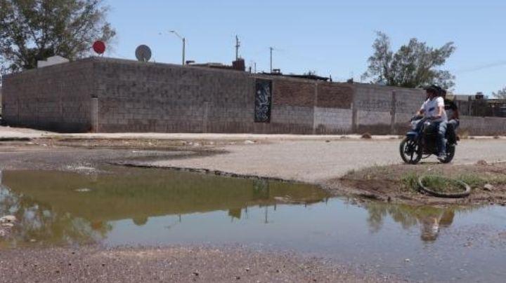¡Urge solución! Aguas negras abundan en la colonia Las Haciendas