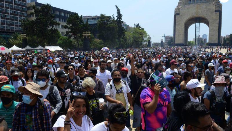 Con marcha piden al Senado de la República legalizar uso lúdico de la mariguana este 4/20