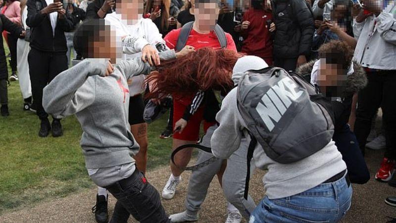 Pelea campal entre jovencitas termina con una chica de 15 años con heridas punzocortantes