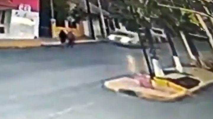 FUERTE VIDEO: ¡Brutal accidente! Menor de 16 años atropella y mata a pareja de ancianos