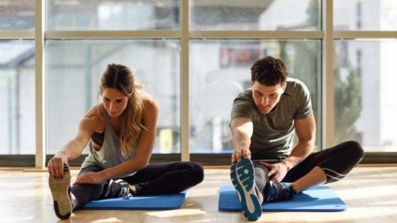 Libérate de las contracturas con estos 5 sencillos ejercicios de estiramiento