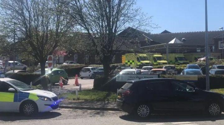 """¡Alerta! Cierran de emergencia hospital por presunta 'bomba'; buscan un """"paquete sospechoso"""""""