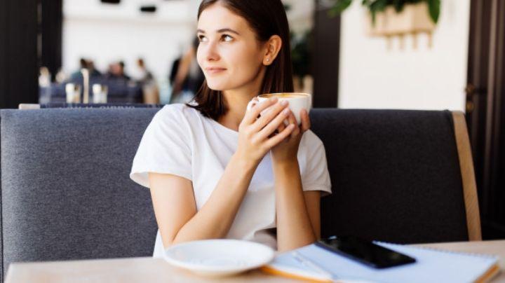 Dos tazas de café al día pueden ayudarte a vivir más años, según estudio