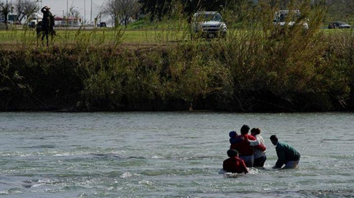 Niños migrantes son abandonados en el Río Bravo; INM los encuentra con hipotermia