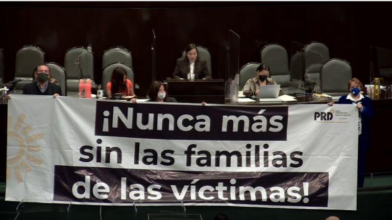 Jueves 'negro' para las víctimas de desaparición forzada; aprueban en lo general Ley Orgánica de la FGR