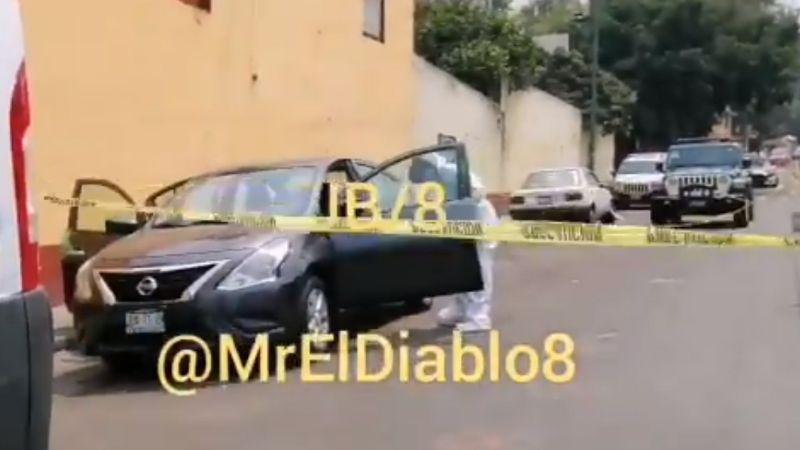 FUERTE VIDEO: Encuentran el cadáver de un hombre abandonado en un automóvil en CDMX