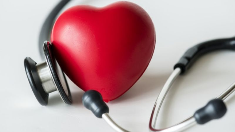 Identifica los sencillos hábitos que mejorarían la salud de corazón