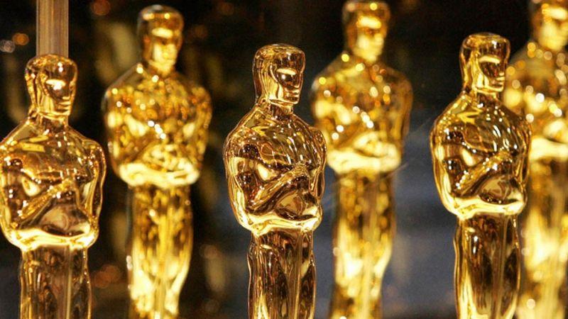 Estos son los mejores atuendos de toda la gala de los Oscar; entre ellos Angelina Jolie y JLo