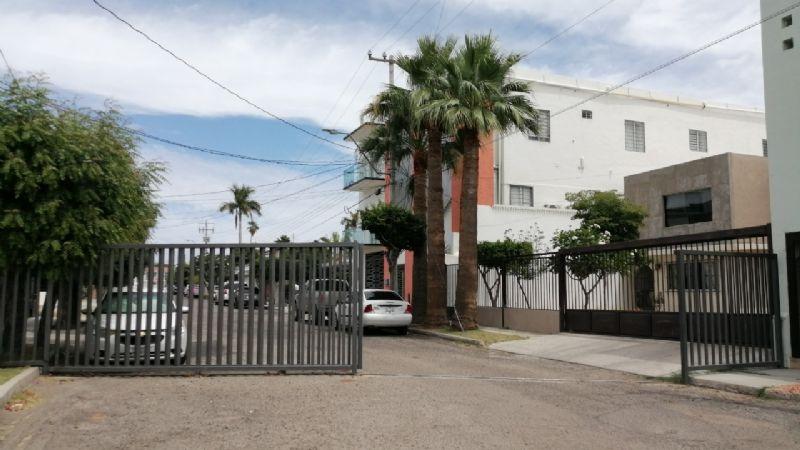 Sonora: Cierre de calle provoca conflicto vecinal en la capital del estado