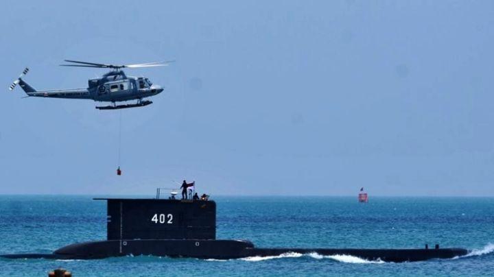 Submarino de Indonesia naufraga con 53 hombres a bordo; hallan sus restos en las costas