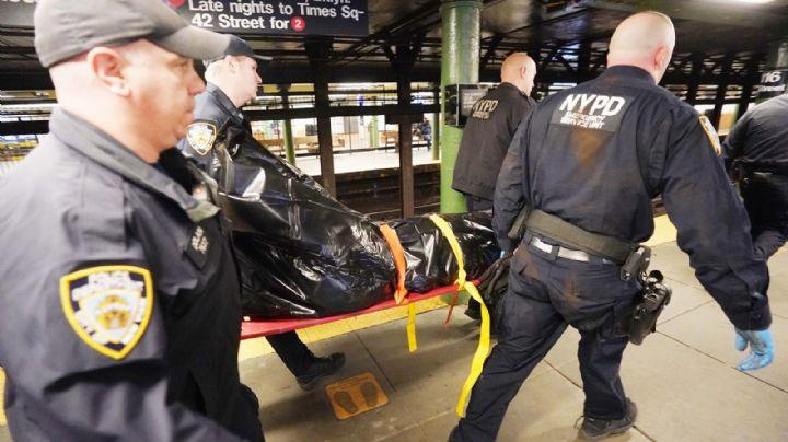Sin marcha atrás: Hombre salta a las vías de un tren en Harlem para quitarse la vida