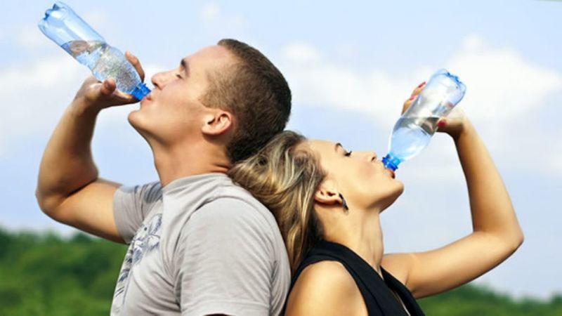 ¡No olvides hidratarte! El consumo de estos 5 alimentos es como si tomaras agua