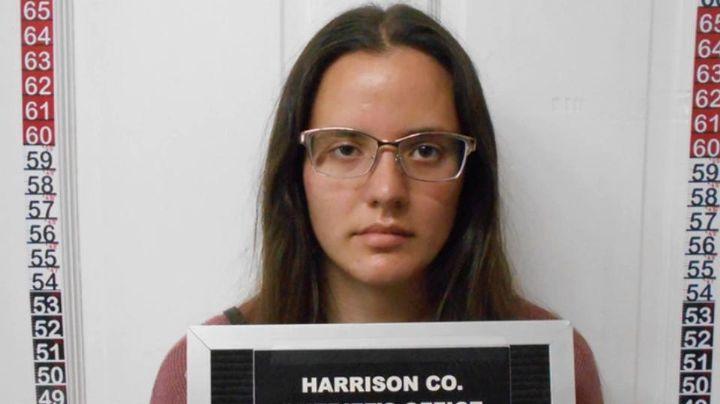 Maestra de escuela católica enfrenta a la justicia por abusar sexualmente de un estudiante