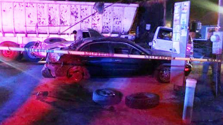 Aparatoso choque deja una mujer muerta y un hombre herido entre Sonora y Baja California