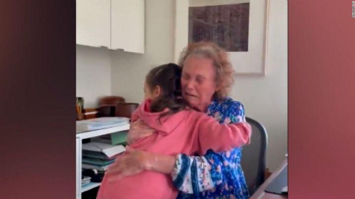 VIDEO: Abuelita de 75 años se reúne con su nieta tras un año sin verse por la pandemia