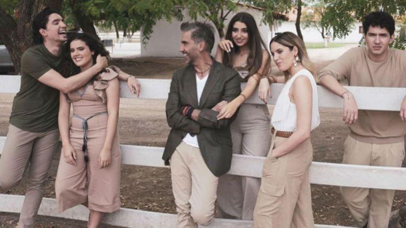 A sus 50 años, Alejandro Fernández presume que ellos son sus 5 pilares importantes
