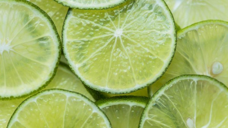 ¡No la tires! El jugo de cáscara de limón le sorprenderá a tu paladar