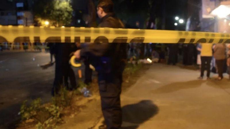 Intentan linchar a mujer por amarrar y golpear a sus hijos en la Ciudad de México