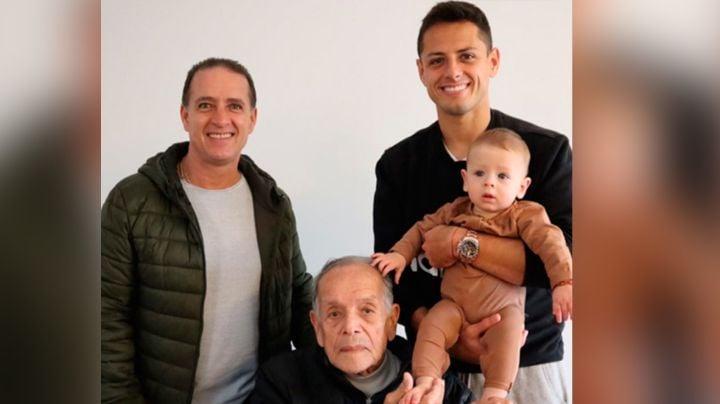 'Chicharito' recuerda conmovido a su fallecido abuelo con foto junto a Noah