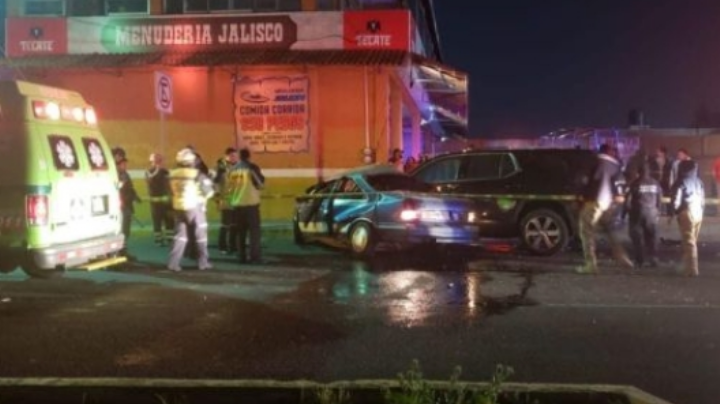 Automóviles colisionan en Edomex y mueren tres pasajeros; el conductor no respetó el alto