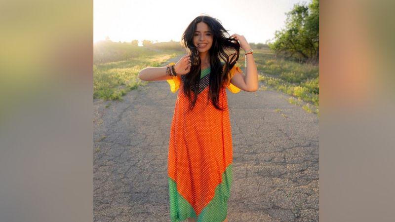 ¿Ya tiene galán? Ángela Aguilar pasea con famoso cantante y redes estallan
