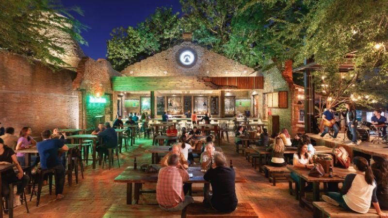 Hermosillo: Bares y restaurantes extienden horario de venta de alcohol por semáforo amarillo