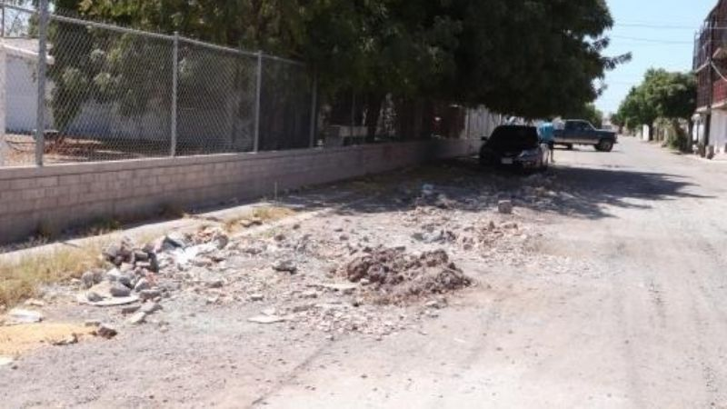"""""""No son baches, son ¡hoyos!"""": Vecinos de Villa Fontana en Obregón denuncia mala pavimentación e inseguridad"""