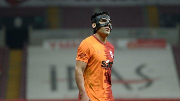 Falcao vuelve a jugar con el Galatasaray luego de haber sufrido lesión en la facial