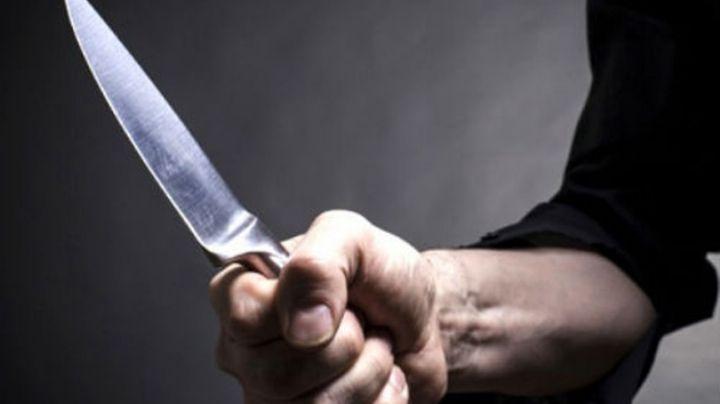 A punta de cuchillo asaltan a taxista en Hermosillo; le robaron hasta la unidad