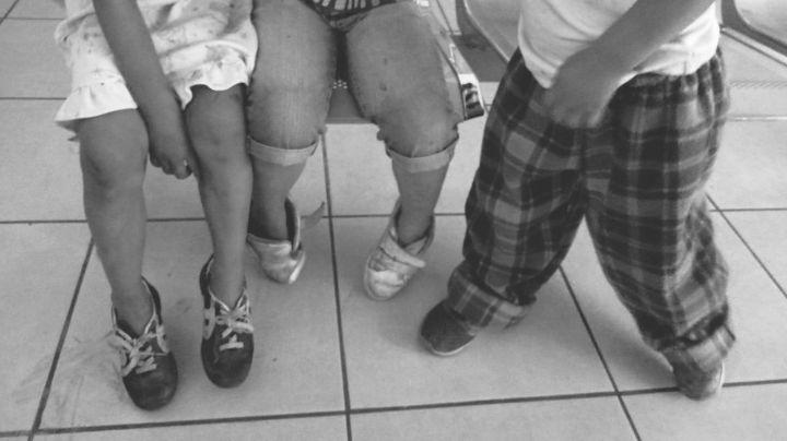 Ecatepec: Rescatan a 4 niños de sus padres adictos; los obligaban a inhalar solventes