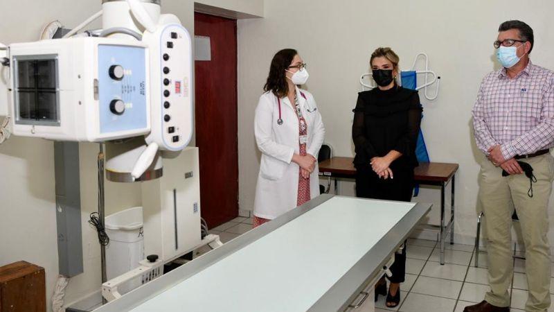 Sonora: Claudia Pavlovich supervisa atención de pacientes con nuevo mastógrafo en el Caaps