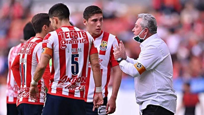 Vucetich no se confía; quiere ir van paso a paso con las Chivas en busca del título