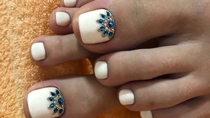 Flores, arcoíris y más: Estos fantásticos diseños de uñas se verán increíbles en tus pies