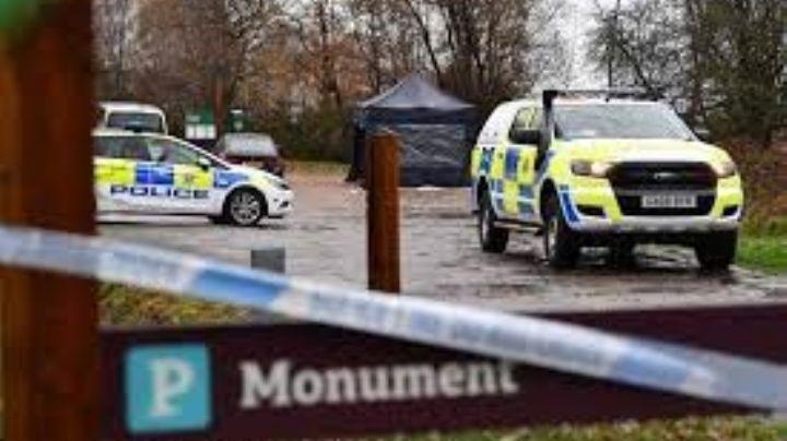 Adolescente muere de frío mientras dormía en un parque; su padre lo echó de casa