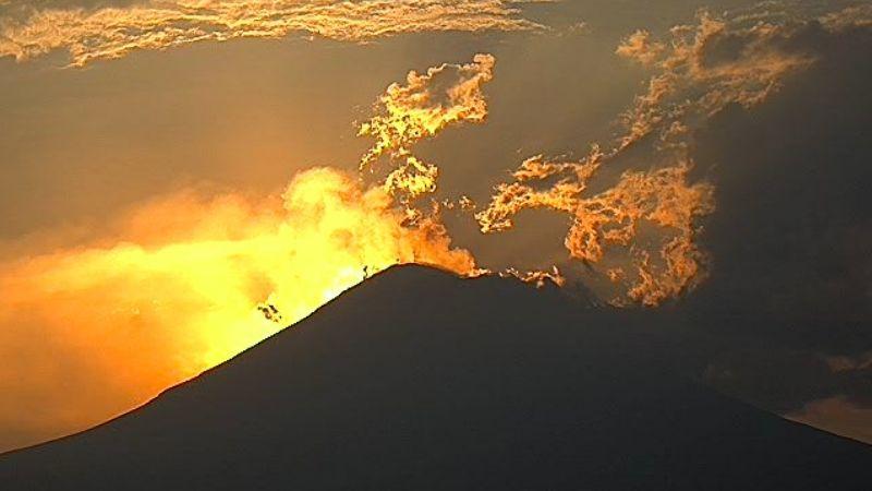 Con un sismo y 98 exhalaciones, volcán Popocatépetl cierra la semana y sigue en amarillo fase 2