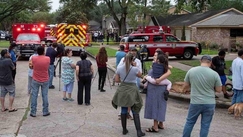 Escalofriante: Encuentran a 90 personas atrapadas en casa de Texas; no eran migrantes